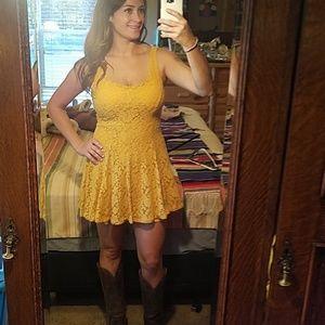 Mustard lace dress Medium